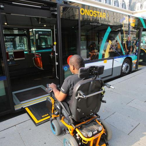 Transports adaptes aux personnes a mobilite reduite
